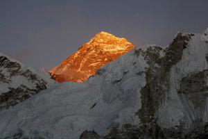 Najvyšší vrch sveta Mount Everest.
