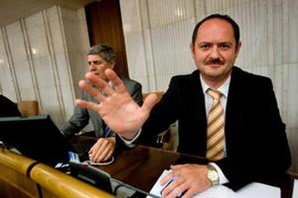 Podpredseda strany Most-Híd a bývalý minister pôdohospodárstva Zsolt Simon.