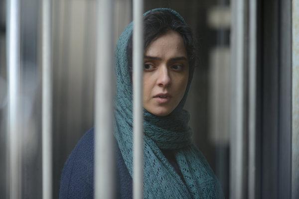 Iránska herečka Taráne Alídústíová vo filme The Salesman.