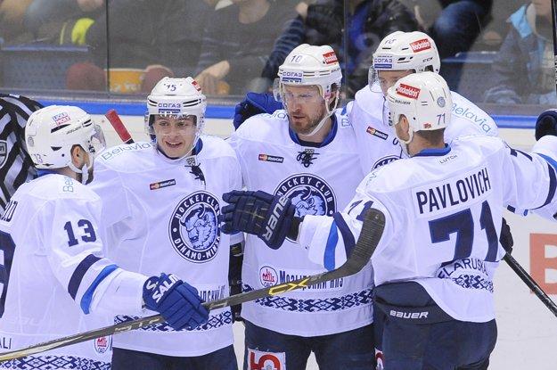 Hráčom Slovana môžu teoreticky pomôcť aj hokejisti Dinama Minsk.