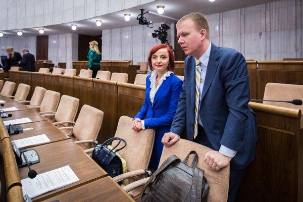 Nezaradení poslanci národnej rady Katarína Macháčková a Miroslav Beblavý.