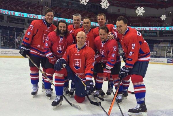 Veľké mená, silné mužstvo. Slováci patria každý rok kfavoritom neoficiálnych MS veteránov, minulý rok dokráčali kpremiérovej medaile.