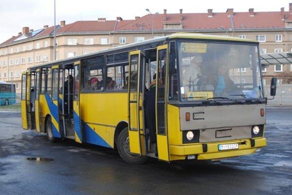 Mestská hromadná doprava v Humennom je bezplatná pre vybrané skupiny obyvateľov.