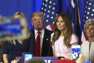 Donald Trump spolu s manželkou Melaniou.