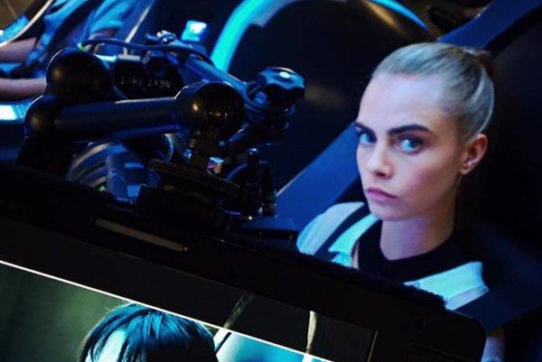 V jednej z hlavnej úloh vo filme Valerian and the City of a Thousand Planets hrá Cara Delevingne. Pripojí sa k nej Dane DeHaan, Rihanna aj Ethan Hawke.