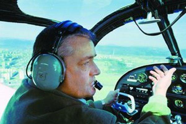 Slota je vášnivý pilot.