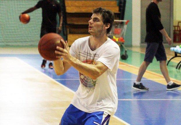 Debut v SBL v sobotu zažil aj 18-ročný junior Matej Trepáč.