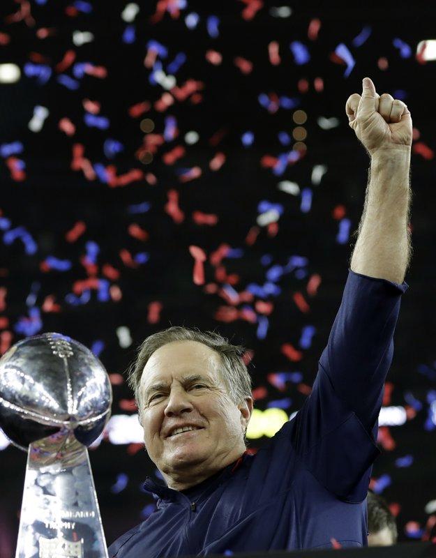 Bill Belichick priviedol Patriots k piatemu triumfu v Super Bowle.