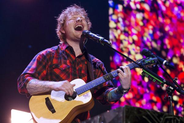 Ed Sheeran bol vyhlásený za umelca desaťročia.
