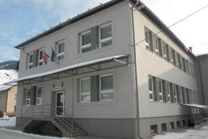 Obecný úrad v Liptovskej Lúžnej.