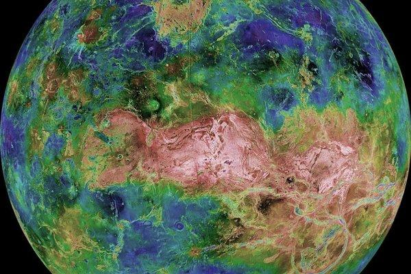 Povrch Venuše vo falošných farbách na zdôraznenie rozličných štruktúr a výšok povrchu.