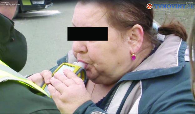 """Dala si vraj """"kamrlík"""". Matka sa priznala, že vypila vodku."""