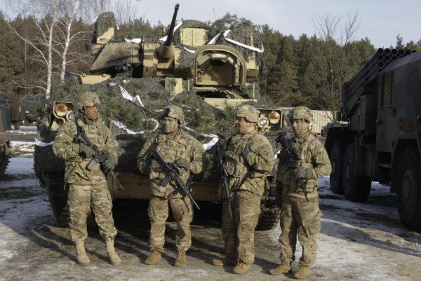 Slovenskí vojaci sa pridajú k zahraničným kolegom z NATO v apríli, keď sa začne trojmesačné cvičenie v Lotyšsku. (Ilustračné foto)