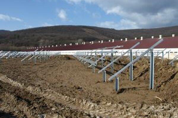 Na kovových konštrukciách onedlho pribudnú solárne panely.