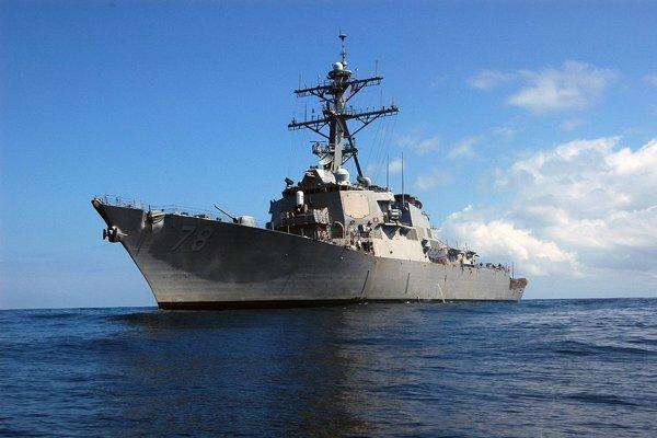 Americký torpédoborec USS Porter.