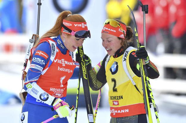 Laura Dahlmeierová (vpravo) a Gabriela Koukalová súperili spolu o najvyššie pozície aj v uplynulých pretekoch svetového šampionátu.