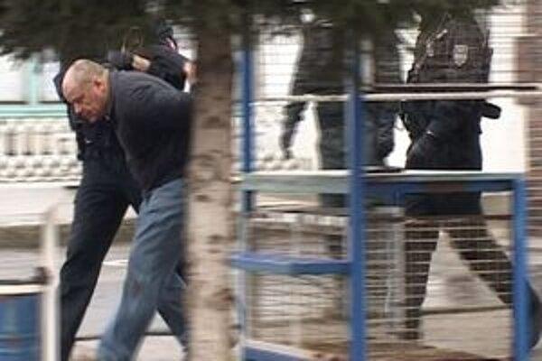 Strelca zadržali novácki policajti.