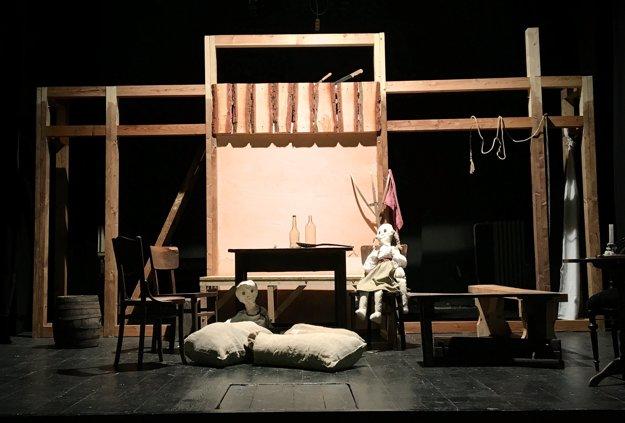 Scéna predstavenia od Františka Pergera.