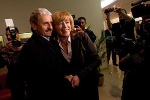 Dzurinda podporil Radičovú aj po prvom kole volieb. Radičová teraz hovorí, čo jej na Dzurindovi prekáža.