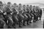 S nejakou formou ponižovania ľudskej dôstojnosti mimo rámca poriadku sa stretol takmer každý vojak základnej služby.
