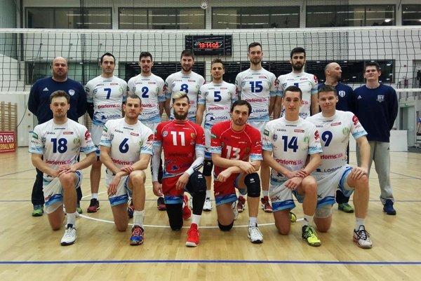 Volejbalisti VKP Bystrina SPU Nitra vyhrali v Kazincbarcike oba zápasy bez straty setu a postupujú z tretieho miesta na Final Four MEVZA Cup-u.