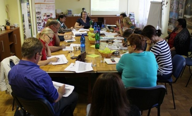 Zasadnutie pracovnej skupiny v Hrachove