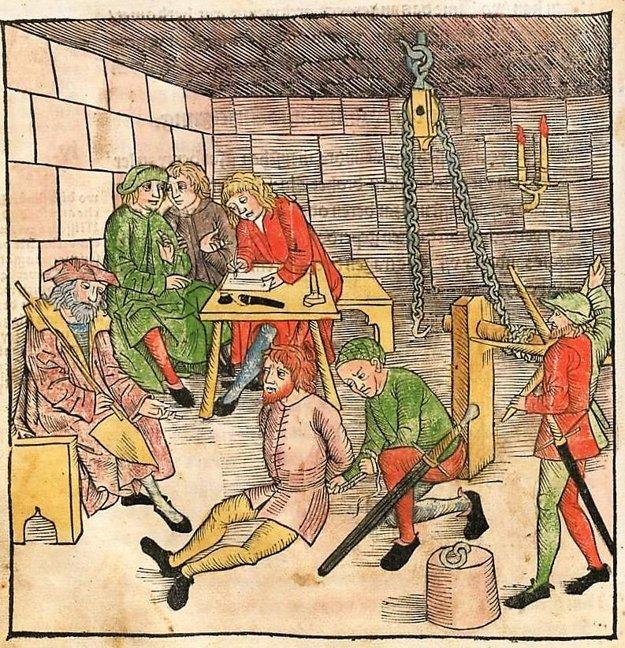 Vypočúvanie a mučenie z tzv. Bamberského trestného poriadku (Bambergische Peinliche Halsgerichtsordnung - Constitutio Criminalis Bambergensis) z roku 1507.
