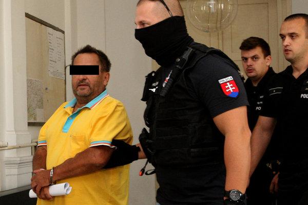 Údajný objednávateľ vraždy Miroslav Ž. v roku 2016, keď súd rozhodol o jeho vzatí do väzby. Predvlani ho pustili na slobodu.