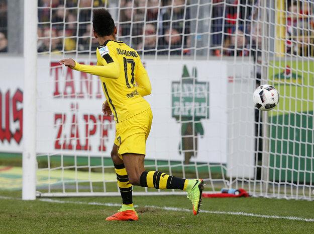 Dvoma gólmi sa na víťazstve Borussie Dortmund podieľal Pierre-Emerick Aubameyang.