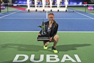 Jelina Svitolinová sa dostala do najlepšej desiatky po tom, ako vyhrala turnaj v Dubaji.