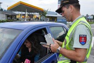 Va volant auta si každý týždeň sadnú desiatky vodičov pod vplyvom alkoholu.