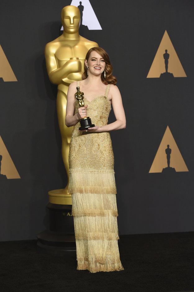 Najlepšia herečka. Emma Stone tromfla skúsenejšie kolegyne, napríklad aj Meryl Streep.