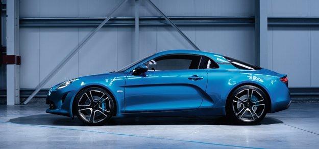 Renault zatiaľ zverejnil len dve fotografie modelu Alpine A110