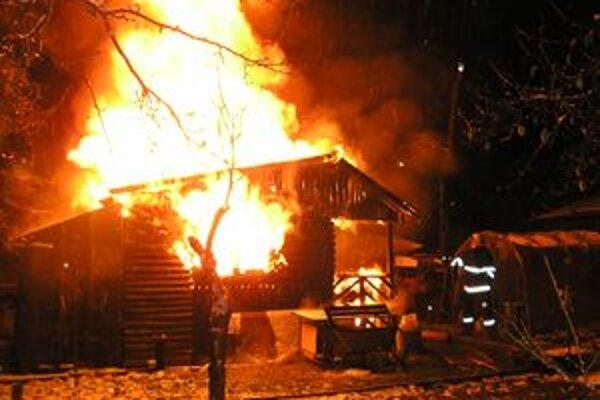 Vlani mali hasiči s požiarmi viac starostí ako v minulosti.