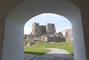 Levický hrad je najznámejšou turistickou atrakciou regiónu.