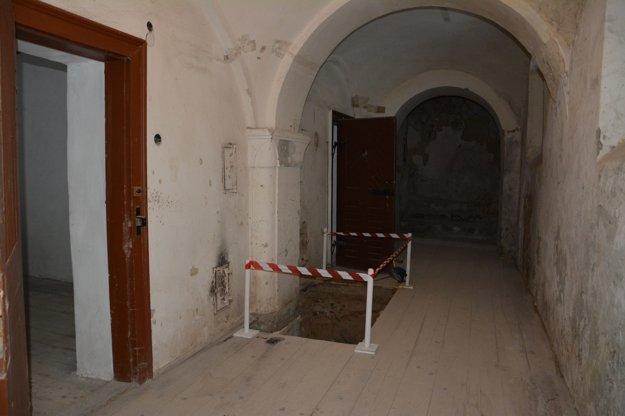 Hradné priestory, ktoré boli roky ukryté pred zrakmi návštevníkov.