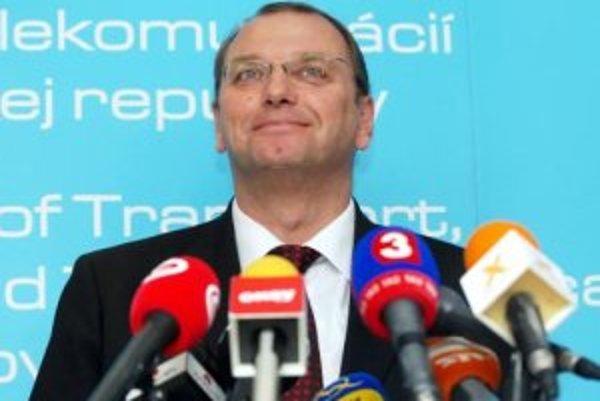 Minister dopravy, pôšt telekomunikácií SR Ľubomír Vážny.