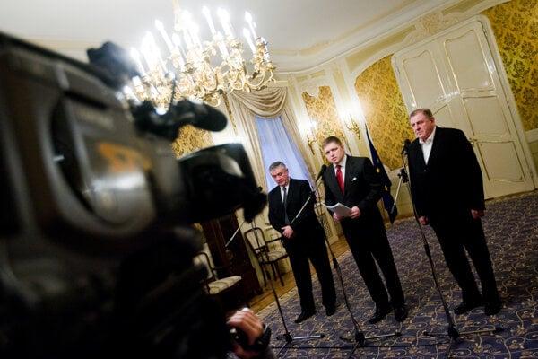 Premiér Robert Fico v roku 2006 vstúpil do koalície s Vladimírom Mečiarom a Jánom Slotom. Obaja boli pri moci v čase únosu Michala Kováča mladšieho.