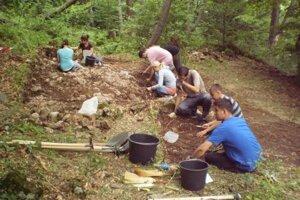 V lokalite hrásku blízko banskobystrických Šachtičiek bežal v uplynulých archeologických sezónach čulý výskum.