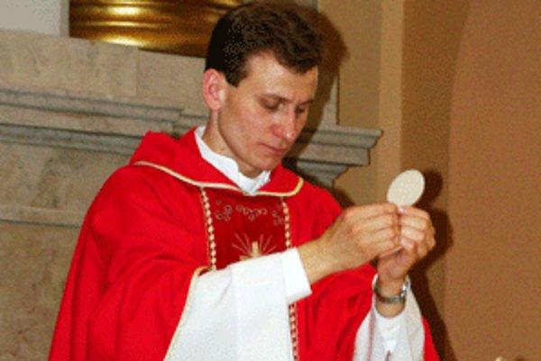 Andrej Karcagi je v súčasnosti kňazom v Hontianskych Trsťanoch.