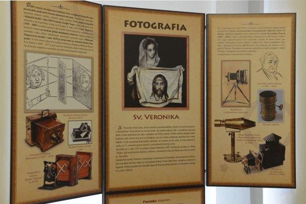 Výstava predstavuje patrónov remesiel.
