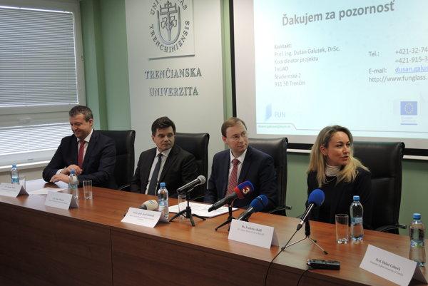Do Trenčína pricestovala aj zástupkyňa financujúcej agentúry Federica Roffi.