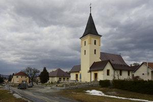Rímskokatolícky kostol Všetkých Svätých  v obci Medzany, ktorý je národnou kultúrnou pamiatkou.