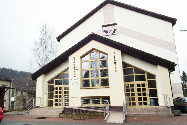 Tvrdošínske gymnázium má výdajňu dlho, teraz je oficiálne vsieti škôl.
