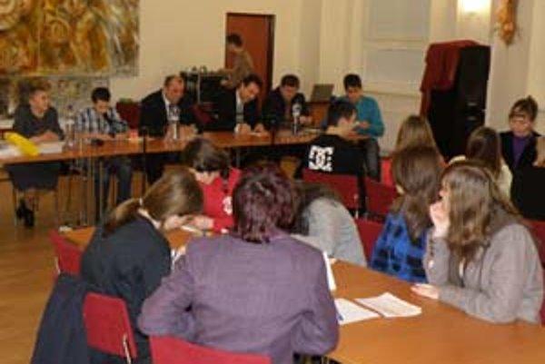 S vedením Prievidze sa členovia Mladého parlamentu stretávajú dvakrát v roku.