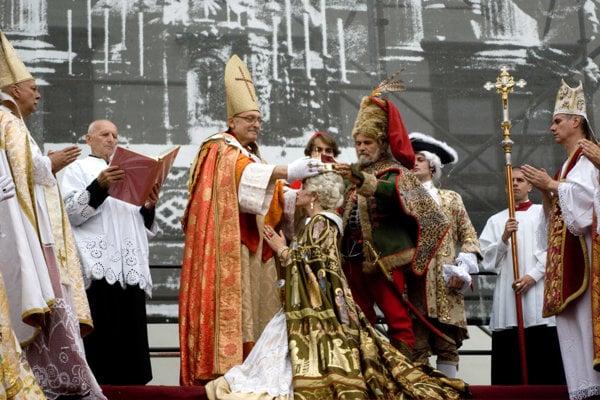 Bratislava si korunováciu Márie Terézie pripomína každý piaty rok. Naposledy sa tak stalo v 2016.