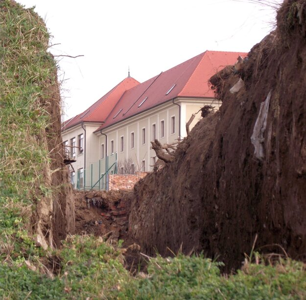 Na kopci začali kopať minulý týždeň.