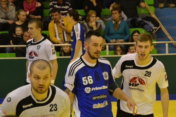 Topoľčany doma prehrali, najviac gólov Agra strelil Marek Hlinka (č. 28).