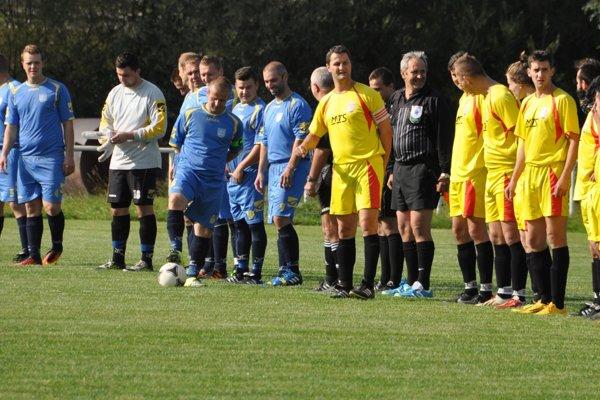 Siedmu ligu ovládli na jeseň Vasiľov (v modrých dresoch) a Krivá (v žltých).
