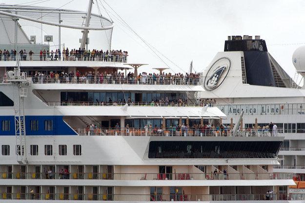 Pri plavbe vás môže prekvapiť veľkosť lode a množstvo ľudí, ktorí sa budú plaviť s vami.